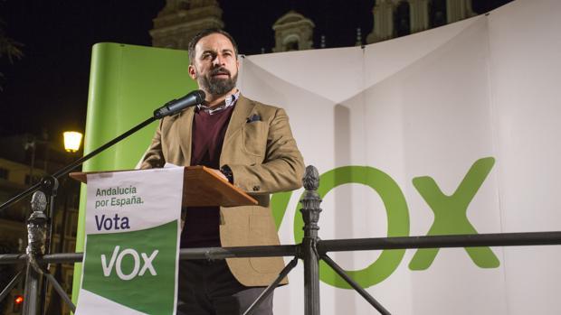 El líder de Vox, Santiago Abascal, durante un mitin en la campaña andaluza del 2 de diciembre