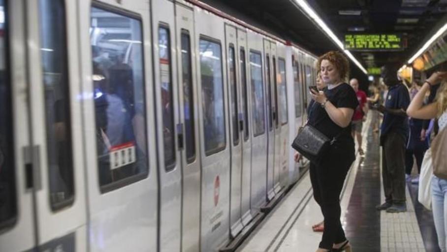 La plantilla del Metro de Barcelona volverá a hacer paros el 8 y 29 de abril por el amianto