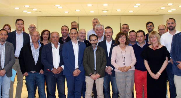 Alcaldes de La Sagra y del sur de Madrid en la reunión celebrada en Parla (Madrid)
