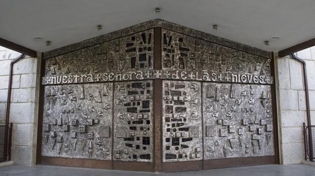 Portal de entrada a Nuestra Señora de las Nieves