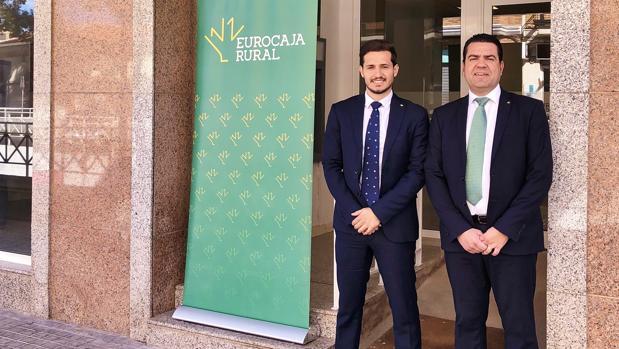 Imagen de la inauguración de la nueva oficina en Aldaya