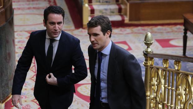 Teodoro García Egea y Pablo Casado, en el Congreso