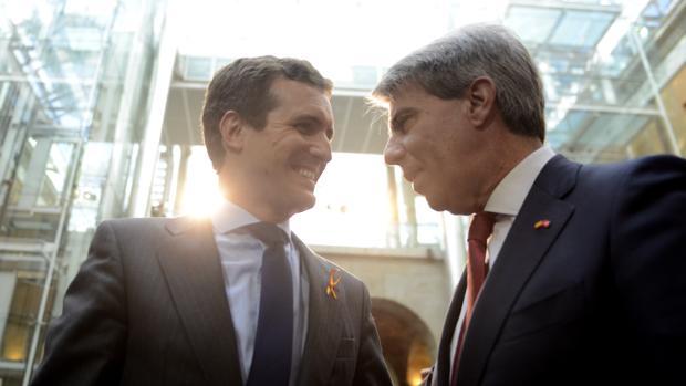 Pablo Casado y Ángel Garrido, en un acto en la Real Casa de Correos