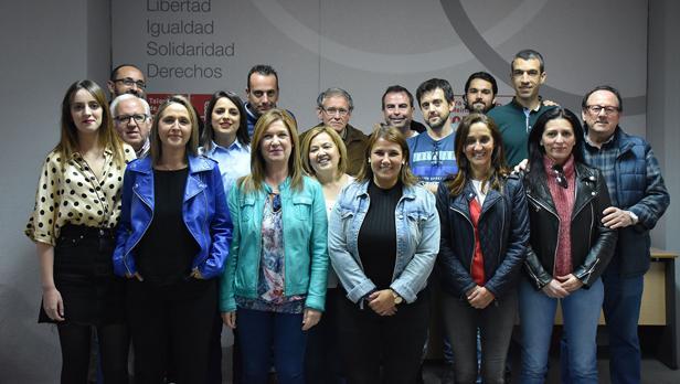 Agustina García Élez y resto de miembros de la candidatura para las elecciones municipales