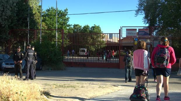 Entrada al recinto del Instituto Ciudad de Jaén