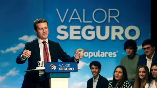 El candidato del PP a la Presidencia del Gobierno, Pablo Casado, durante su intervención, este sábado, en un mitin en Salamanca