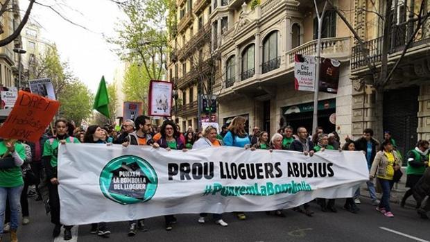 La concentración contra los alquileres abusivos y la especulación inmobiliaria en Barcelona