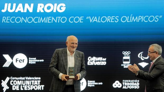 Imagen de Juan Roig junto al presidente del COE tomada este martes en Valencia