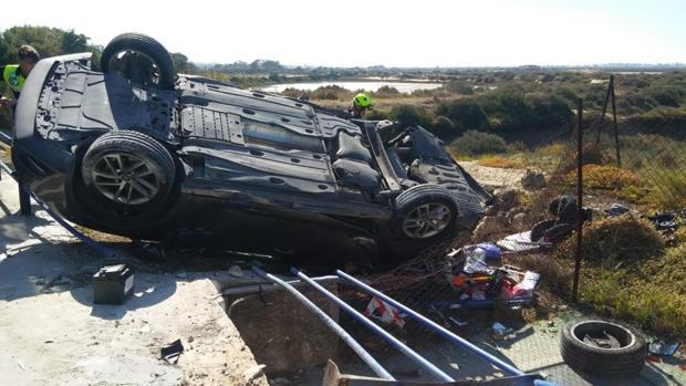 Imagen del vehículo accidentado en Minglanilla (Cuenca)