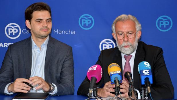 Santiago Serrano y Jaime Ramos, durante la rueda de prensa