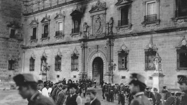 El Alcázar, tras el incendio acaecido el 9 de enero de 1887