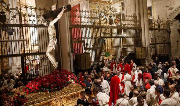El agua impidió la celebración de la procesión del Silencio en Zamora
