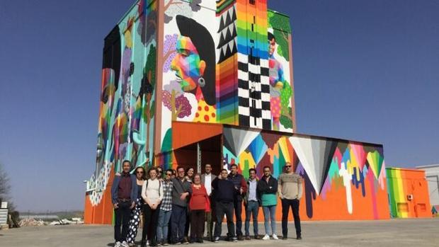 El artista Okuda y su equipo Ink and Movement, de reconocido prestigio, han participado en el proyecto