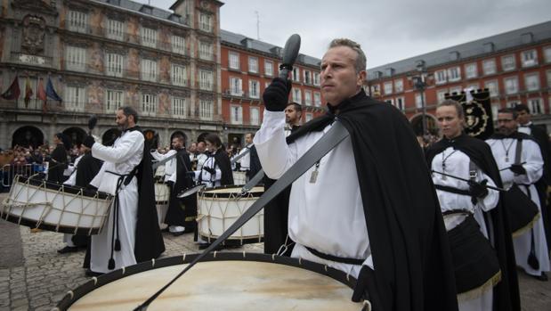 Los repicantes,de la Cofradía de Jesús de la Humillación de Zaragoza, ayer