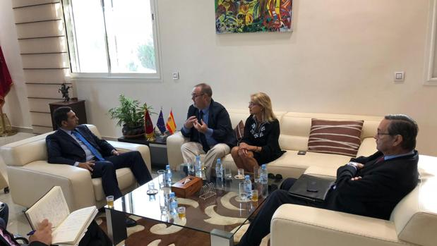Una reunión del consejero Fernando Rey y la directora general Pilar Garcés con responsables marroquíes