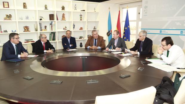 Reunión del conselleiro de Economía con los representantes de los concesionarios