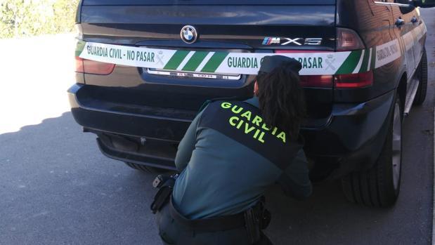 El vehículo en el que viajaban los dos jóvenes ha sido intervenido y precintado