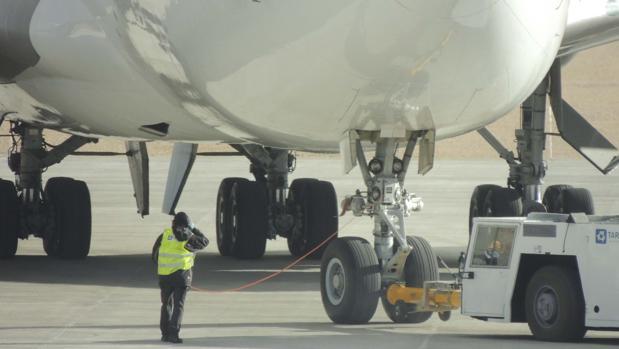 El aeropuerto turolense prevé superar este año las 7.000 operaciones (aterrizajes y despegues de aeronaves)