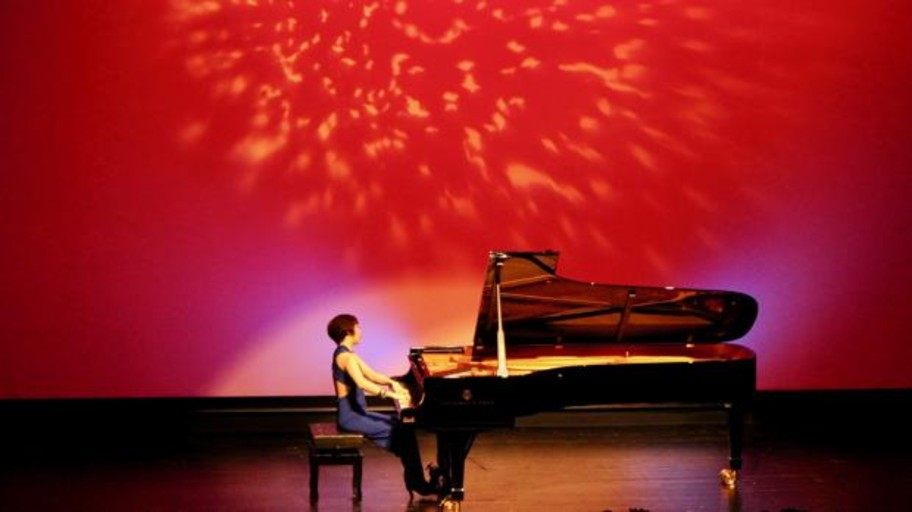 La «excelencia musical» de Claire Huangci en el Festival Internacional de Piano Auditori Teulada Moraira