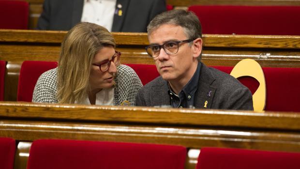 Josep Maria Jové, junto a Elsa Artadi, en el Parlament