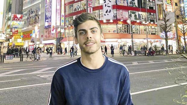 José Manuel Busto, durante un viaje a Japón tras el examen de selección