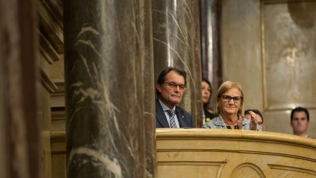 De Gispert, junto a Artur Mas en el Parlament