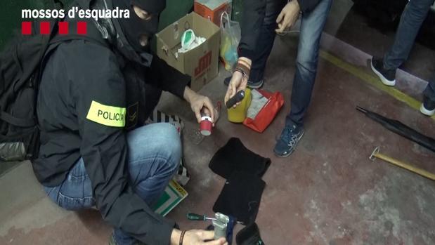 Los agentes en la intervención policial