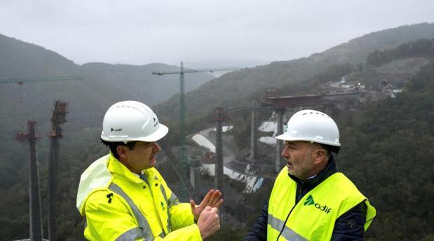 Visita del delegado del Gobierno en Galicia a las obras del AVE en Orense