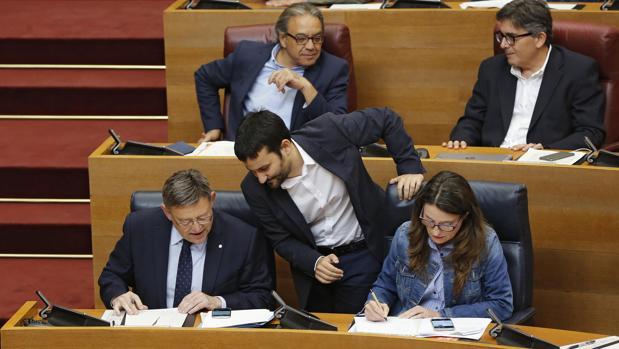 Ximo Puig, Mónica Oltra y Vicent Marzà, en las Cortes Valencianas en una imagen de archivo