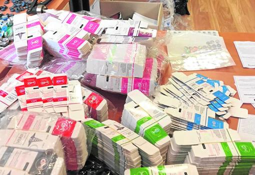 Decenas de cajas de sustancias dopantes incautadas por la Policía