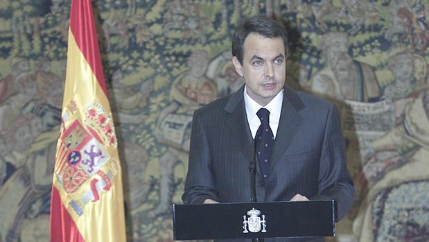 José Luis Rodríguez Zapatero durante una declaración institucional en 2004, cuando era presidente del Gobierno