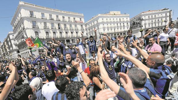Aficionados del Inter de Milán, en 2010, en la Puerta del Sol