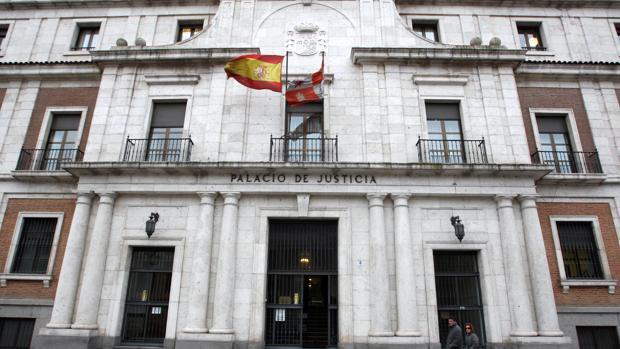 Exterior de la Audiencia Provinciald e Valladolid