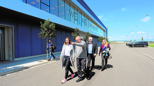 Francisco Igea visitó ayer las instalaciones de Aciturri Aeroengines en Miranda de Ebro (Burgos)