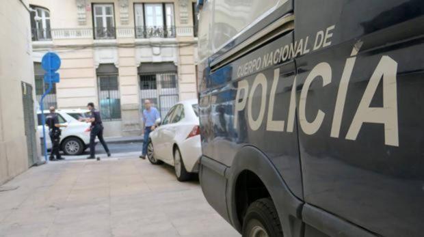 Aparece el cadáver de un hombre en el interior de un coche calcinado en Talavera