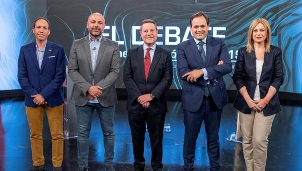 Los cinco candidatos a la Junta de Castilla-La Mancha posan antes del histórico debate en la televisión regional