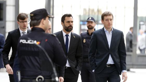 El presidente del Parlament de Cataluña, Roger Torrent, a su llegada al Congreso
