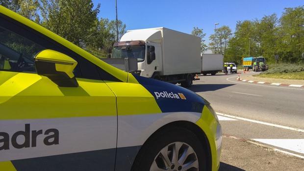 Efectivos de los Mossos en las carreteras catalanas