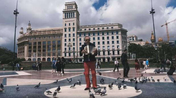 Captura del vídeo de «La complanta dels burgesos oprimits»