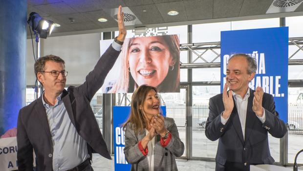 Feijóo, durante el cierre de campaña en La Coruña junto a la candidata Bea Mato