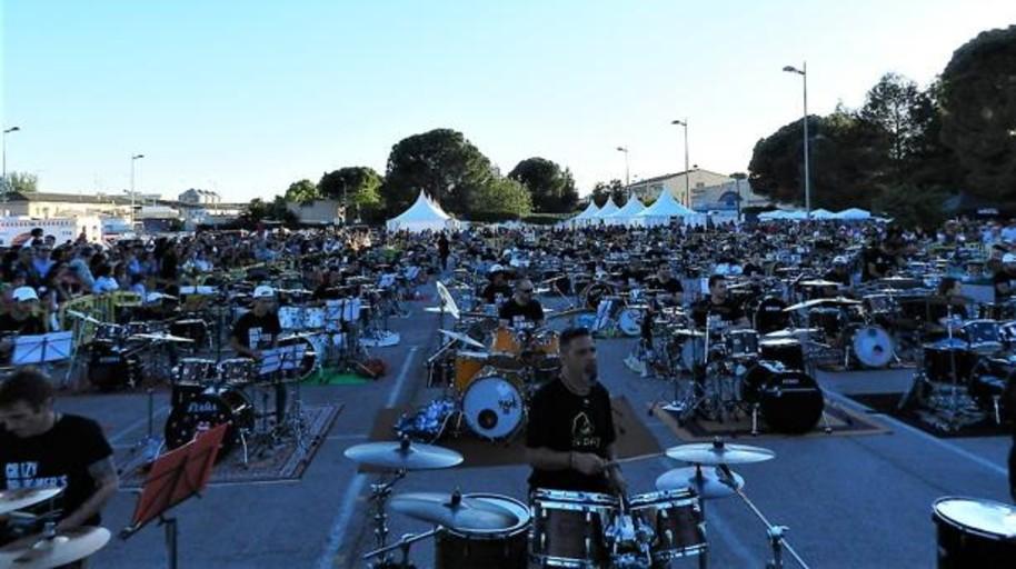 Quintanar de la Orden bate el Guinnes World Record del mayor número de bateristas tocando a la vez
