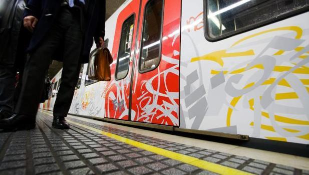 Foto de archivo de un graffiti en un tren