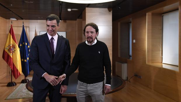 Pedro Sánchez, ayer en el Congreso junto a Pablo Iglesias