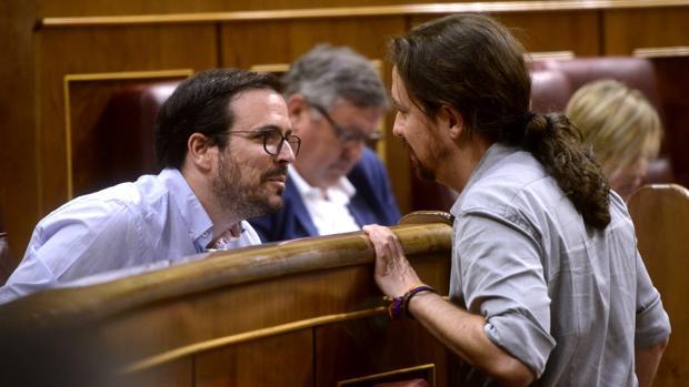 IU da los primeros pasos para la fusión con Podemos