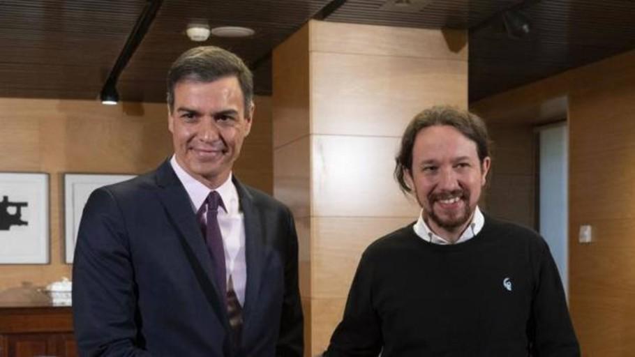 Iglesias pasa de pedir negociaciones públicas a reunirse bajo el máximo secretismo