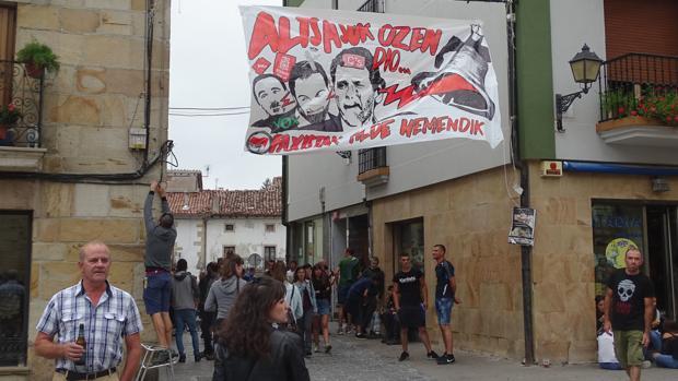 Los radicales de Alsasua pinchan en su marcha contra la Guardia Civil
