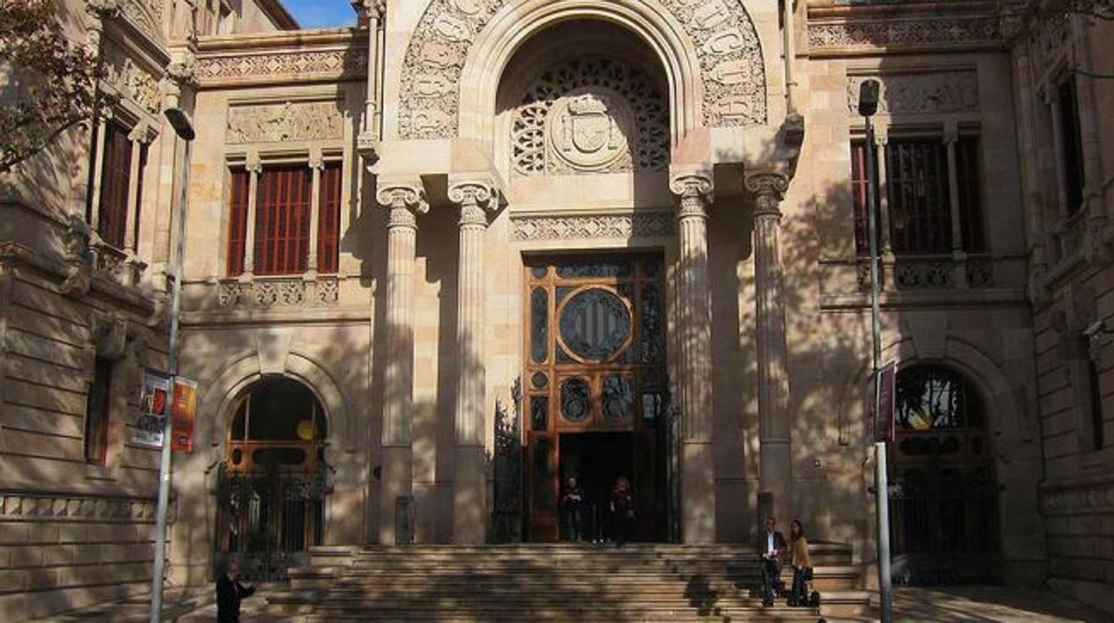 Piden 12 años de cárcel para un imán por violar a un menor en una mezquita de Barcelona