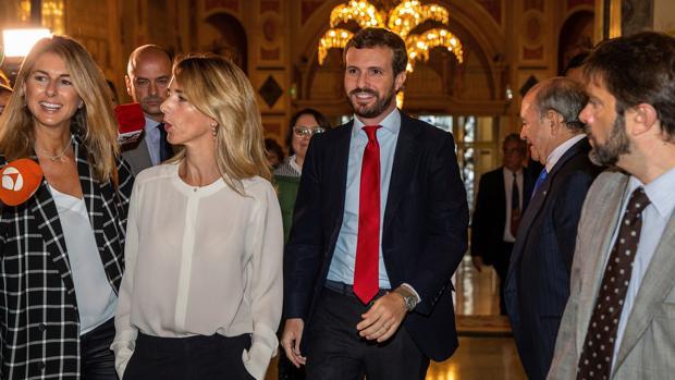 Álvarez de Toledo reabre la guerra contra Alonso por llamarla «extranjera»