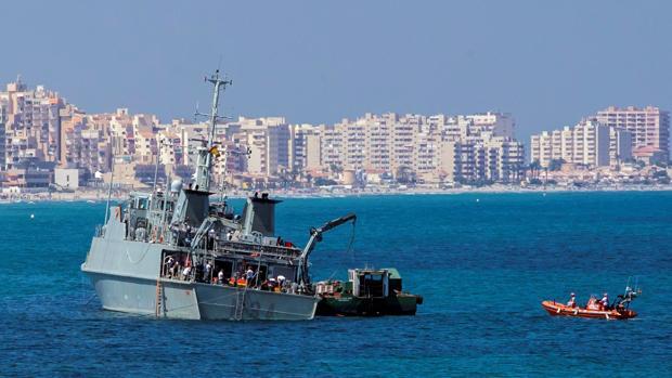 La Armada cesa al comandante que encalló el cazaminas Turia frente a La Manga