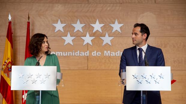 Por qué el vicepresidente Aguado cobra más que la presidenta Díaz Ayuso